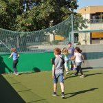 sport-auf-dem-kunstrasenplatz-113