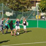 sport-auf-dem-kunstrasenplatz-121