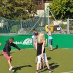 sport-auf-dem-kunstrasenplatz-128