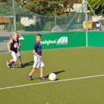 sport-auf-dem-kunstrasenplatz-131