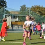 sport-auf-dem-kunstrasenplatz-144