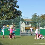 sport-auf-dem-kunstrasenplatz-146
