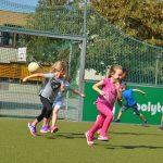 sport-auf-dem-kunstrasenplatz-157