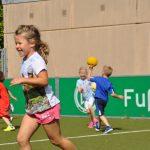 sport-auf-dem-kunstrasenplatz-65