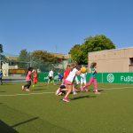 sport-auf-dem-kunstrasenplatz-66