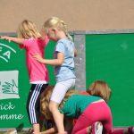 sport-auf-dem-kunstrasenplatz-84