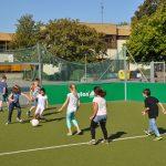 sport-auf-dem-kunstrasenplatz-94