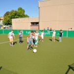 sport-auf-dem-kunstrasenplatz-99
